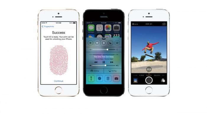 Apple iPhone 5S mit einem Touch-ID Fingerprintsensor, iOS 7 und einer verbesserten 8 Megapixel iSight Kamera
